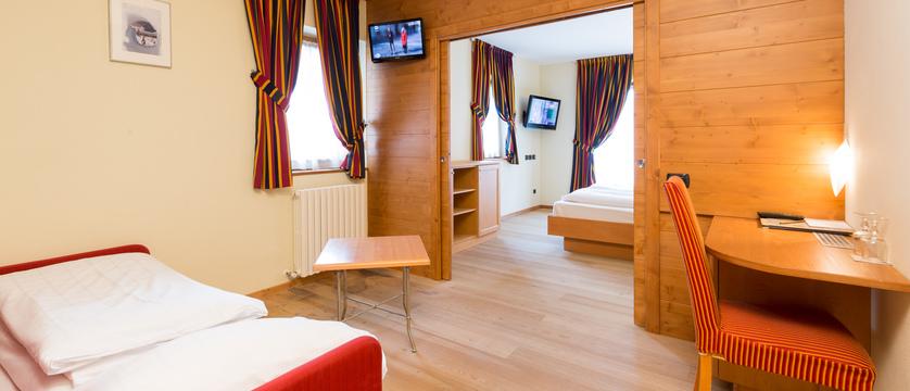 italy_livigno_hotel-touring_superior-room.jpg